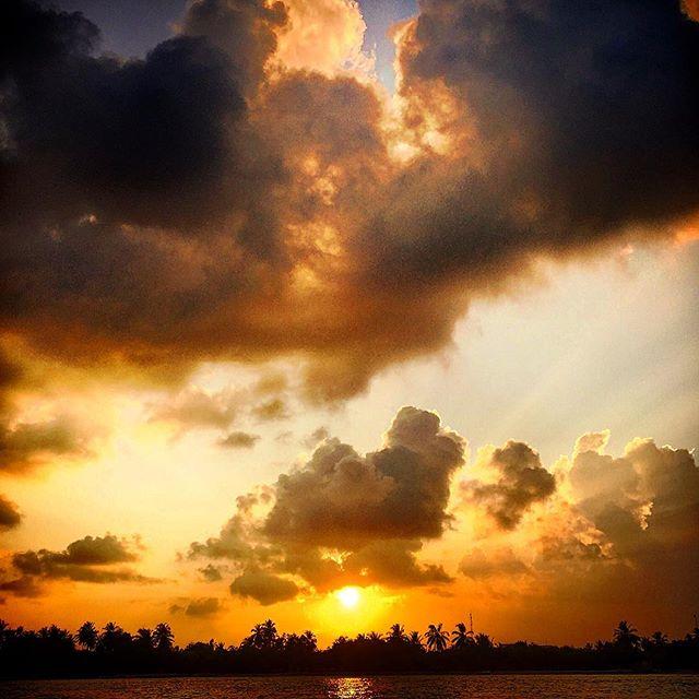#male #maldives #kandooma #travel #instagood #picoftheday #palmtrees #sun #easter #traveling #instatravelhub #holiday #vacation #travelling #hot #love #ilove #instatravel #tourist #instalife #tourism #ihg #holidayinn #maldivesislands #maledives2016 #beach #sand #clouds #sunset #sunsetlover