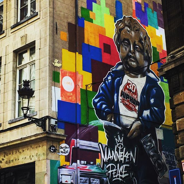 #brussels #belgium #europe #european #mannakenpis #bestoftheday #instalikes #streetart #instaphoto #instapic #instadaily #beautiful #instamood #ic_cities #graffiti #urban #love #untappedcities #street #travel #traveling #vacation #graffitiart #instagood #travelling #tourist  #travelgram #igtravel