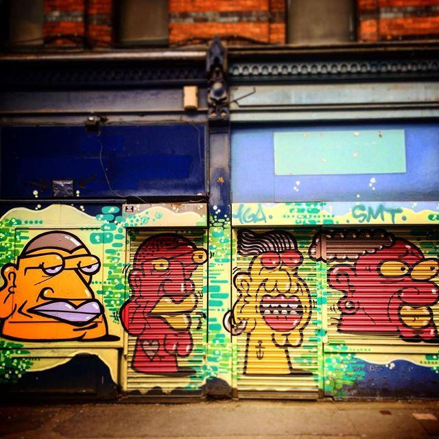 #manchester #uk #lookingup  #photooftheday #nature #mcruk #abstractmybuilding #mcr_collective #picoftheday #beautiful #shapes #cool #view #architecture #england #thisismcr #graffiti #streetart #graffitiart