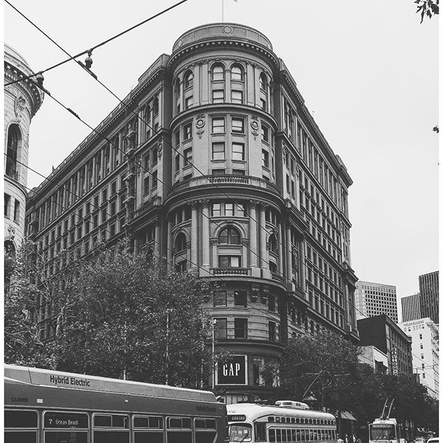#sanfrancisco #sf #california #ca #castro #twinpeaks #sutrotower #howsfseessf #us #usa #america #hot #ilovela #california #cali #urbanart #ic_cities #city #urban #love #igshots #justgoshoot #fabshots #popularpic #loveit #architecture #vacation #nowrongwaySF #untappedcities #upoutsf