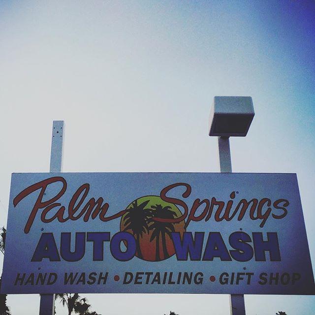 #palmsprings #retro #signage #la #losangeles #us #usa #america #hollywood #hot #ilovela #california #cali #urbano #urbanart #instahub #ic_cities #city #urban #love #town #igshots #justgoshoot #fabshots #implus_daily #popularpic #loveit #carwash