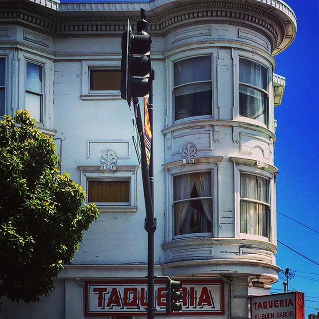 #sanfrancisco #sf #california #ca #castro #howsfseessf #us #usa #america #hot #ilovela #california #cali #urbanart #ic_cities #city #urban #love #igshots #justgoshoot #fabshots #popularpic #loveit #architecture #vacation #nowrongwaySF #untappedcities #upoutsf #taqueria #valencia