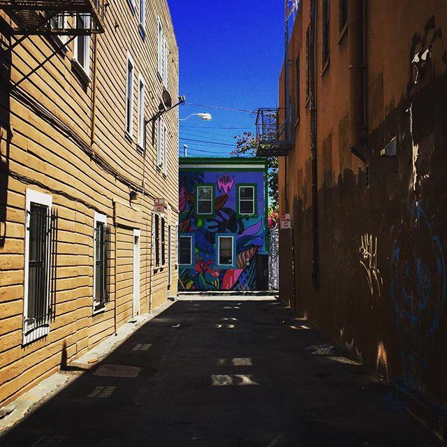 #sanfrancisco #sf #california #ca #castro #howsfseessf #us #usa #america #hot #ilovela #california #cali #urbanart #ic_cities #city #urban #love #igshots #justgoshoot #fabshots #popularpic #loveit #architecture #vacation #nowrongwaySF #untappedcities #upoutsf #valenciastreet #valenciastreetart