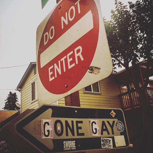 #guernville #russianriver #sonoma #napa #sf #california #ca #vineyards #us #usa #america #hot #ilovela #california #cali #urbanart #ic_cities #city #urban #love #igshots #justgoshoot #fabshots #popularpic #loveit #architecture #vacation #wine #untappedcities #gay #streetsign