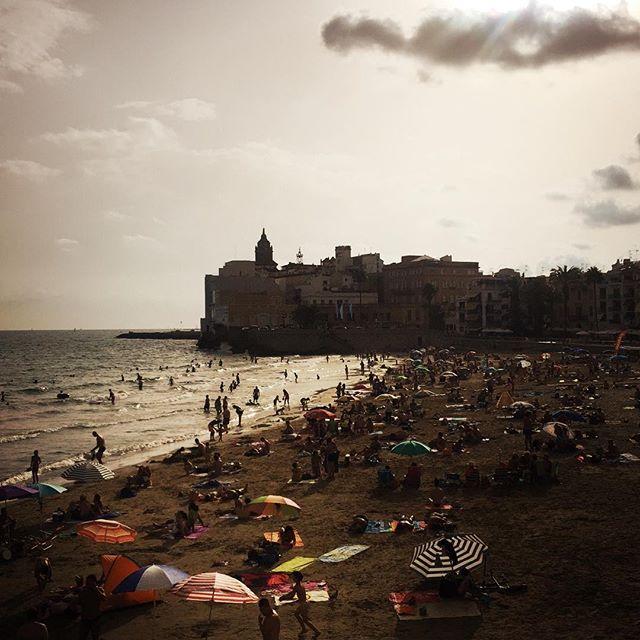 #sitges #spain #spainish #fotodeldia #espana #españa #paradise #gf_spain #global_hotshots #español #european #hot #foto #casa #fotodeldia #beautiful #amor #home #sol #paisaje #catalunya #cielo #europe #catalunyaexperience #photografy #love #beach