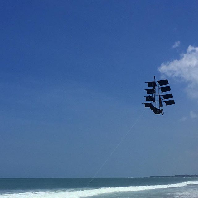 #bali #seminyak #indonesia #kite #picoftheday #beach #travel #traveling #instatravelhub #holiday #travelling #sun #hot #love #ilove #instatravel #tourist #traveler #instalive #instalife #tourism #global_hotshots #ig_today #ig_global_life #igglobalclub #zoomthelife #crisp_captures #thebaliguru #ubud
