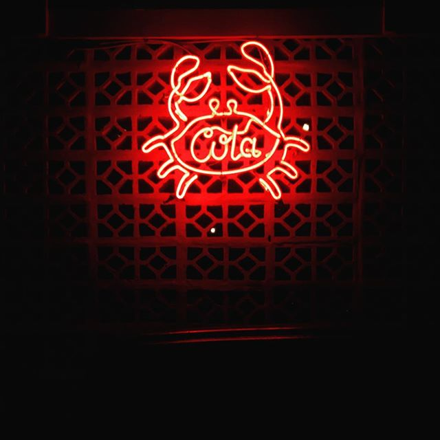 #motelmexicola #seminyak #indonesia #signage #picoftheday #neon #travel #traveling #instatravelhub #holiday #travelling #neonlights #hot #love #ilove #instatravel #tourist #traveler #instalive #instalife #tourism #global_hotshots #ig_today #ig_global_life #igglobalclub #zoomthelife #crisp_captures #thebaliguru  #coke #cocacola