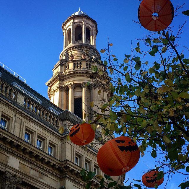 #manchester #halloween #lantern #bestoftheday #picoftheday #beautiful #shapes #cool #artist #mcruk #urban #building #buildings #buildinglover #buildingporn #city #idaddict #architecture #instafeel #street #cities #urbanart #citylife #igersmcr #igersmanchester #mcr_collective