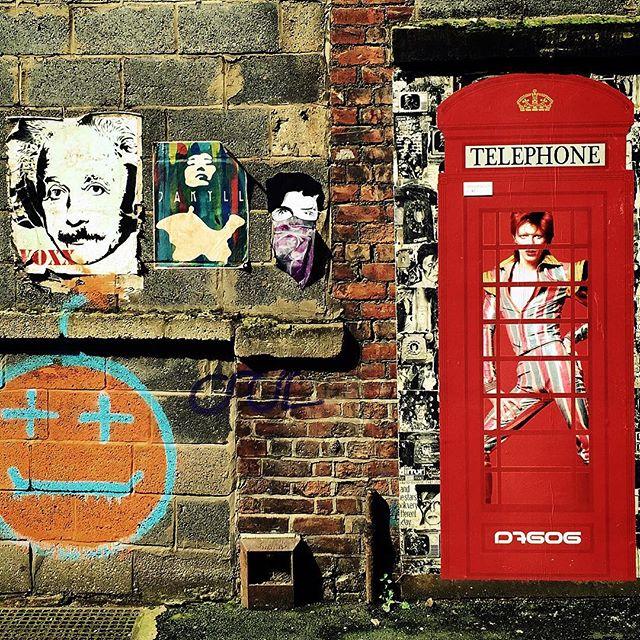 #manchester #uk #doorway #photooftheday #nature #mcruk #abstractmybuilding #mcr_collective #picoftheday #beautiful #shapes #cool #view #architecture #england #thisismcr #exploremcr #streetart #graffiti#wonderlustmanchester #streetphotography #graffitiart #d7606 #d7606art #davidbowie