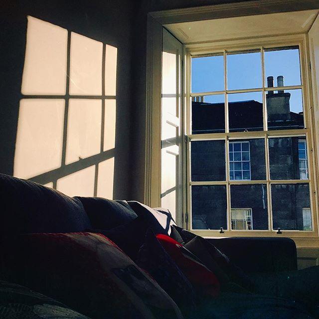 #edinburgh #scottish #scotland #igersedinburgh #uk #edinburg #igscotland #instagramers #bestoftheday #britain #instalikes #instaphoto #instapic #instadaily #beautiful #instamood #ic_cities #city #urban #love #town #stockbridge #river #sun #spring #window #sunlight #architecture