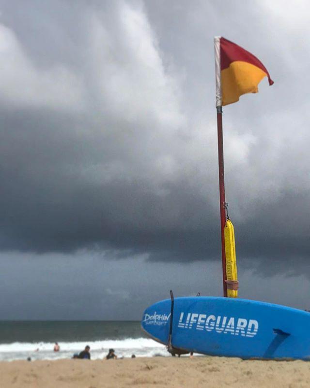 #sydney #cogee #cogeebeach #sun #aussiegram #travel #sydneysider #seeaustralia #blue #beautiful #love #iphoneonly #photooftheday #picoftheday #bestoftheday #instagramhub #instahub #igers #cityofsydney #seeaustralia #australiagram #bestofAustralia #instralia #ioz #architecture #storm #lifeguard