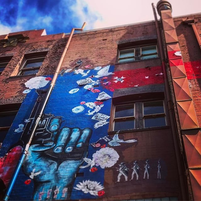#sydney #lookingup #graffiti #darlinghurst #graffiti #streetart #sydneystreetart #nsw #oz #aussiegram #travel #sydneysider #seeaustralia #gay #beautiful #love #iphoneonly #photooftheday #picoftheday #bestoftheday #instagramhub #instahub #igers #cityofsydney #seeaustralia #australiagram#bestofAustralia #instralia #ioz #architecture