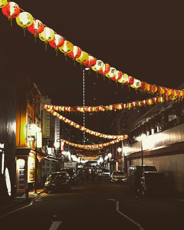 #singapore #chinatown #architecture #iphoneonly #photooftheday #picoftheday #bestoftheday #instagramhub #instahub #igers #travel #travelgram #singaporean #singaporelife #instatravelhub #holiday #vacation #love #ilove #instatravel #tourist #traveler #instalive #instalife #ig_today #ig_global_life #igglobalclub #zoomthelife #sgheritage #lanterns
