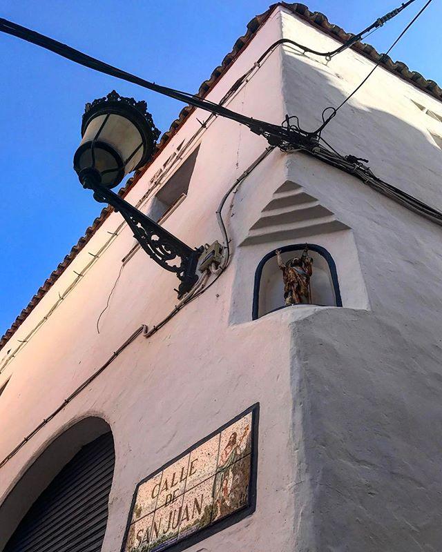 sitges #spain #spainish #fotodeldia #espana #españa #paradise #gf_spain #global_hotshots #español #european #hot #foto #casa #fotodeldia #beautiful #amor #home #sol #paisaje #catalunya #cielo #europe #catalunyaexperience #photografy #love #lookingup