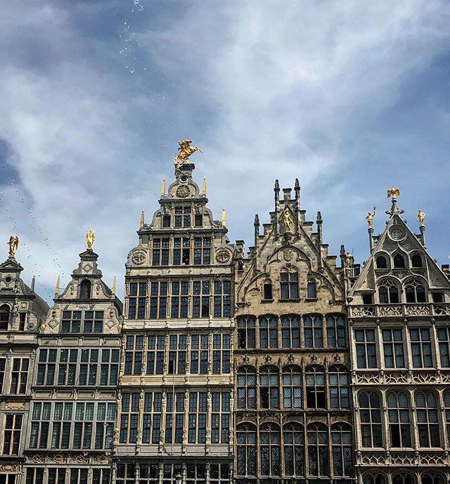 #station #lookingup #antwerpcentralstation #belgium #antwerp #living_europe #wu_europe #bestplacestogo #europe_gallery #europe_vacations #europe_tourist #europe #cityscape #loves_landscape #europa #traveladdict #loves_europe #love #postcardsfromtheworld #travelphotography #love #picoftheday