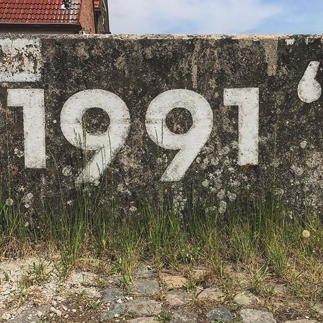 #1991 #graphics #signage #belgium #antwerp #living_europe #wu_europe #bestplacestogo #europe_gallery #europe_vacations #europe_tourist #europe #cityscape #loves_landscape #europa #traveladdict #loves_europe #love #postcardsfromtheworld #travelphotography #antwerpport