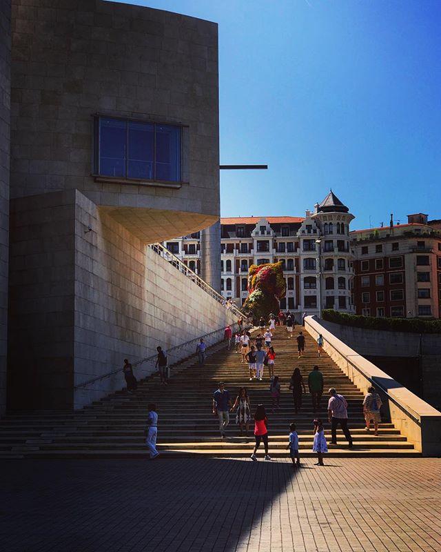 #spain #bilbao #guggenheimbilbao #love #guggenheim #architecture #instagood #travel #summer #photooftheday #españa #picoftheday #beautiful  #iphoneonly #photooftheday #picoftheday #bestoftheday #instagramhub #instahub #igers #travel #travelgram #instatravelhub #holiday #vacation #travelling #lnstatravel #tourist #instalife #dog