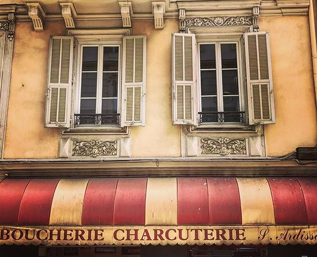 #france #nice #cotedazur #lookingup #summer #living_europe #bestplacestogo #europe_gallery #europe_vacations #europe_tourist #europe #traveladdict #loves_europe #love #travelphotography #picoftheday #travel #instagood #sun #travel #instatravelhub #travelling #sun #hot #love #ilove #instatravel #instalive #instalife #global_hotshots