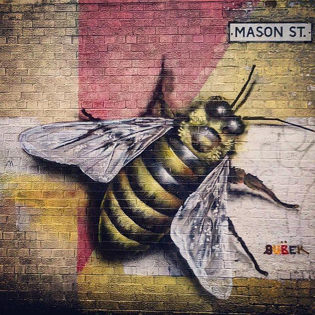 #manchester #uk #bee #photooftheday #nature #mcruk #abstractmybuilding #mcr_collective #picoftheday #beautiful #shapes #cool #view #architecture #england #thisismcr #exploremcr #streetart #graffiti #wonderlustmanchester #streetphotography #graffitiart
