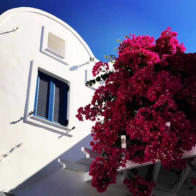#greece #santorini #oia #nature #sky #sun #fira #summer #beautiful #sunset #sunset_united #allnatureshots #beauty #light #photooftheday #love #skylovers #sunsethunter #nature_perfection #sunset_madness #sunsetsniper #sunset_pics #abstractmybuilding #picoftheday #view #architecture #all_shots #beach #instagood #holiday