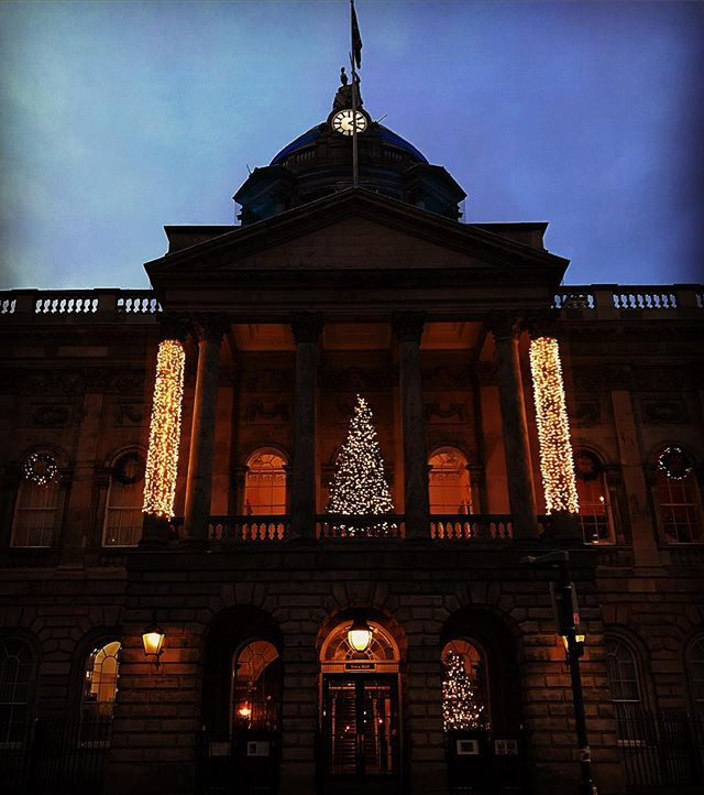 #liverpool #uk #christmastree #christmas #christmaslights #photooftheday #nature #abstractmybuilding #picoftheday #beautiful #shapes #cool #view #architecture #england #streetphotography #liverpoolbound #liverpoolcity #liverpoolecho #igersliverpool #scousescene