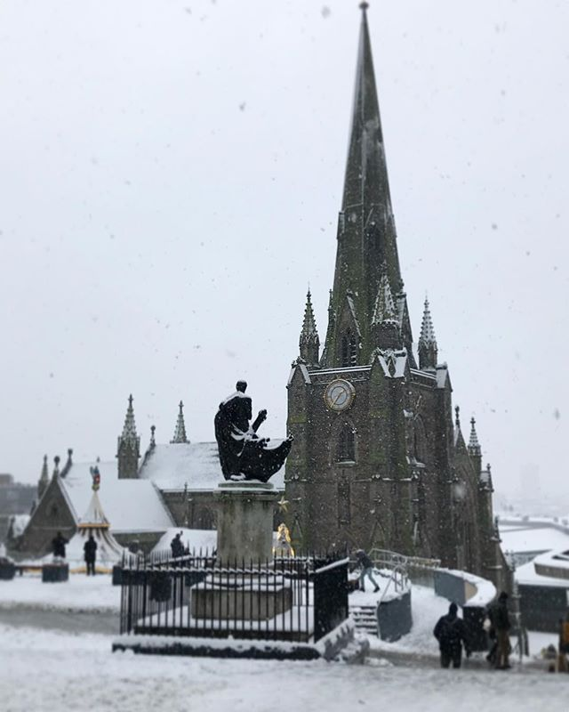 #birmingham #uk #snow #lookingup #christmas #perspective #photooftheday #nature #abstractmybuilding #picoftheday #beautiful #shapes #cool #view #architecture #england #streetphotography #church #birminghamlife #snowing