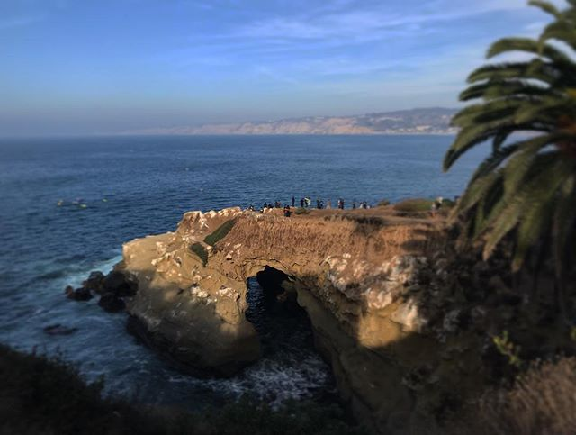 #sandiego #lajolla #lajollacove #us #usa #america #hollywood #hot #ilovela #california #cali #urbanart #instahub #ic_cities #city #urban #love #igshots #justgoshoot #fabshots #implus_daily #popularpic #loveit #ocean #perspective