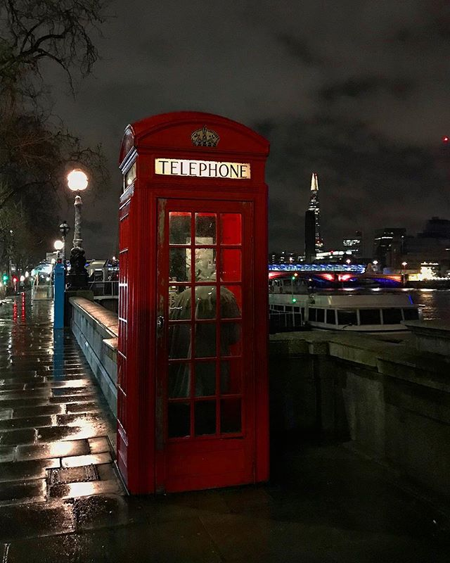 #london #england #redtelephonebox #instalondon #londoner #iglondon #iglondon #uk #britain #ilovelondon #instahub #ic_cities #urban #city #rain #night #igshots #justgoshoot #fabshots #implus_daily #popularpic #love #streetphotography #art #primeshots #street #architecture
