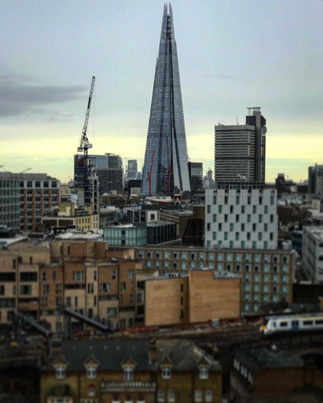 #london #england #theshard #instalondon #londoner #iglondon #uk #britain #ilovelondon #instahub #ic_cities #urban #city #town #igshots #justgoshoot #fabshots #implus_daily #popularpic #love #streetphotography #art #primeshots #street #architecture