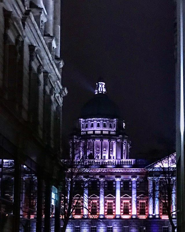 #belfast #ireland #streetphotography #perspective #photooftheday #nature #abstractmybuilding #picoftheday #beautiful #shapes #cool #view #architecture #amateurphotography #igersbelfast #belfastcity #cityhall #nighttime