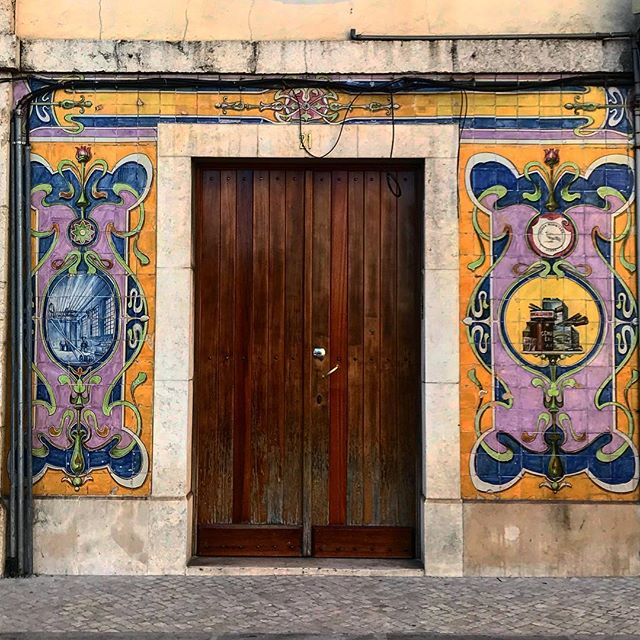 #lisbon #lisboa #doorway #portugal #photooftheday #streetphotography #abstractmybuilding #picoftheday #beautiful #shapes #cool #view #architecture #europe  #love #weekend #travel #instagood #picoftheday #sun #traveling #instatravelhub #holiday #vacation #travelling #ilove #instatravel