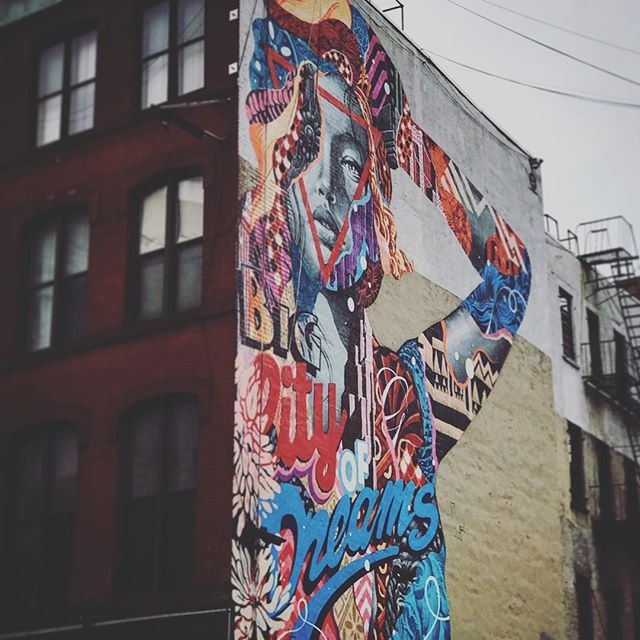 #newyork #ny #newyorkcity #streetart #us #usa #america #states #nyc #igersnyc #love #lookingup #popularpic #loveit #timessquare #photooftheday #bestoftheday #picoftheday #beautiful #cool #architecture #instagood #photooftheday #picoftheday #beautiful #iphoneonly #city #popularpic #love #streetphotography