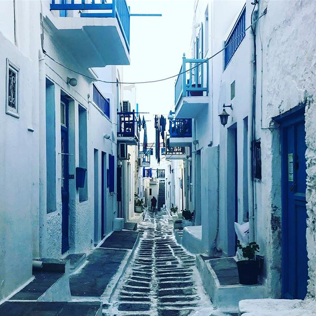 #greece #mykonos #view #street #mykonostown #blue #light #photooftheday #love #sunsethunter #red #sunset_madness #sunset_pics #summer #abstractmybuilding #picoftheday #cool #view #architecture #all_shots #beach #instagood #holiday