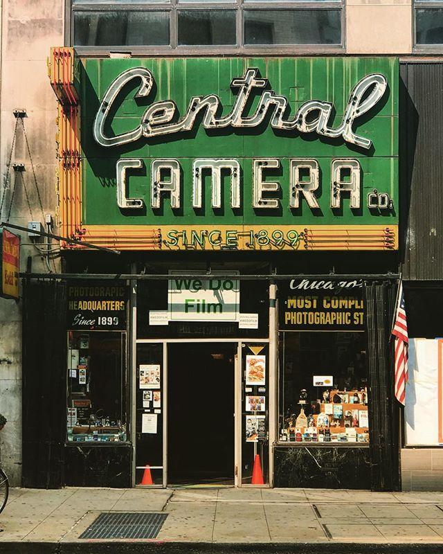 #chicago #michigan #store #signage #usa #america #states #instahub #ic_cities #love #igshots #justgoshoot #implus_daily #popularpic #photooftheday #bestoftheday #picoftheday #cool #architecture #instagood #photooftheday #like #picoftheday #beautiful #iphoneonly #justgoshoot #popularpic #love #streetphotography #street