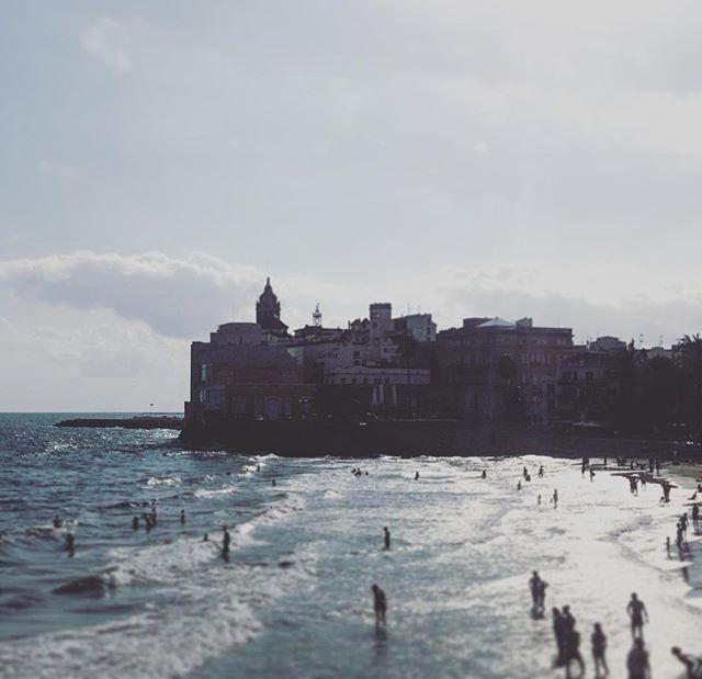 #sitges #spain #spainish #fotodeldia #espana #españa #beach #gf_spain #global_hotshots #español #european #hot #foto #casa #fotodeldia #beautiful #amor #home #sol #catalunya #cielo #europe #catalunyaexperience #photografy #love